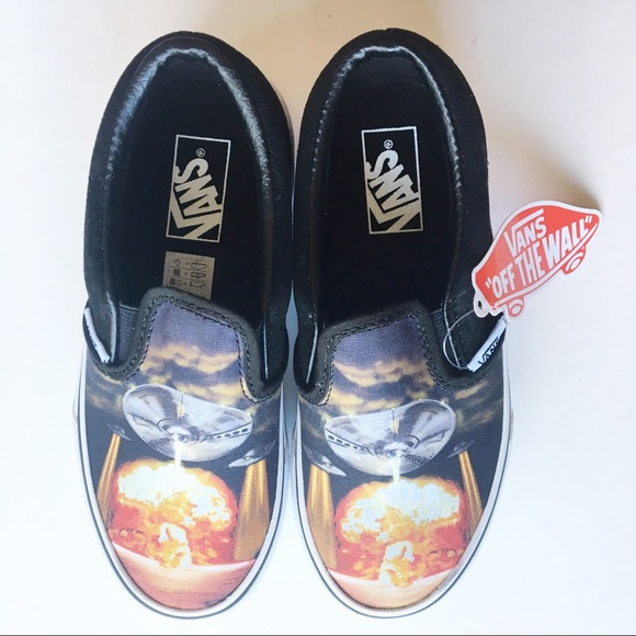 334c97a921ac3d Vans Boys Classic Slip-on Shoes Off The Wall 13